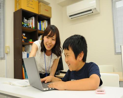 生徒一人一人のペースで授業を進めます
